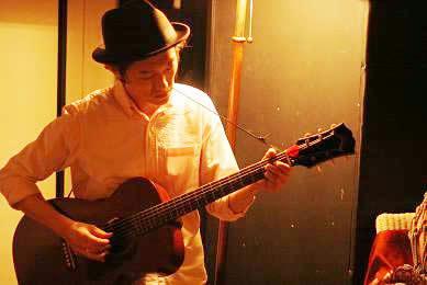 M-20はなかなかお目にかかれない希少ギターです。