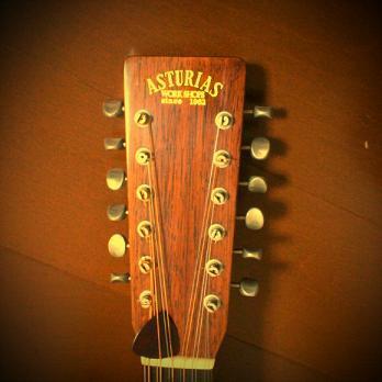 12弦ギター。