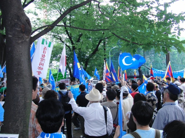 中国政府によるウイグル人虐殺抗議デモ