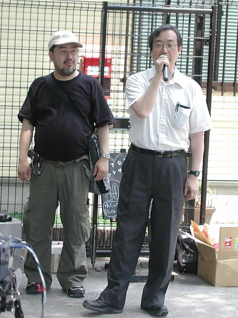 自由チベット協議会代表・酒井信彦氏。左が日本チベット友好協会の田中健之氏