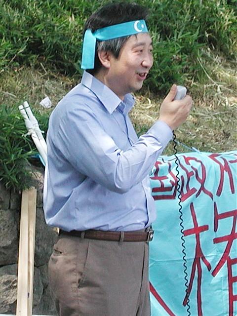台中国民主陣線の王進忠氏