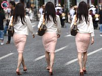 【FHD】ツンツン系デカ尻ピンクのミニスカ!