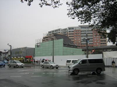 国立駅20061111