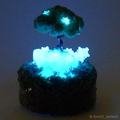 夜光鉱物の実がなる木の写真:ハンドメイド