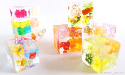 色とりどりのキューブの写真:ハンドメイド