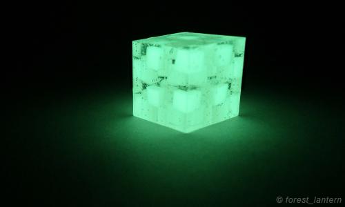チェック柄の夜光キューブの写真:ハンドメイド