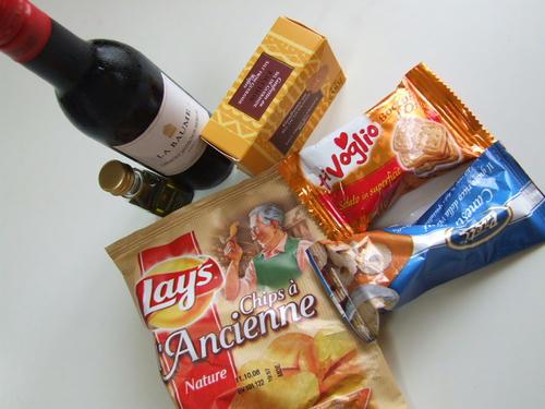 おやつ&ワイン.JPG