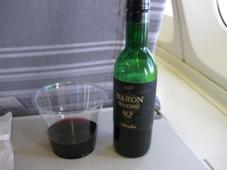 韓国旅行 1日目 JAL 機内サービスのワイン