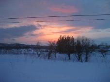 8発掘「てっぺん 宗谷探検隊」札幌→稚内 列車窓から見た夕日