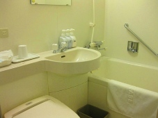 22稚内 ホテルおかべ汐彩亭 9客室トイレ・バス・洗面所