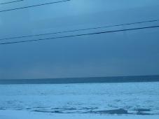 141発掘「てっぺん 宗谷探検隊」バスの車内からみた流氷