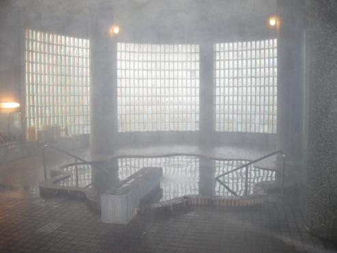 糠平源泉郷 中村屋 タイルの浴場内