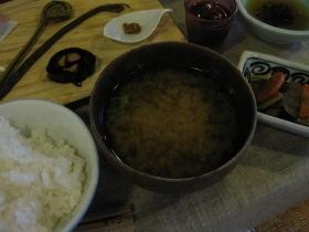 糠平源泉郷 中村屋 夕食 ごはん、味噌汁、漬物