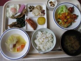 糠平源泉郷 中村屋 朝食 レストラン(フォレスト ハウス)バイキング