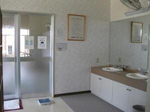 濁川温泉「元湯神泉館 にこりの湯」脱衣室
