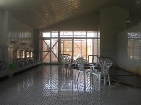 濁川温泉「元湯神泉館 にこりの湯」浴場内