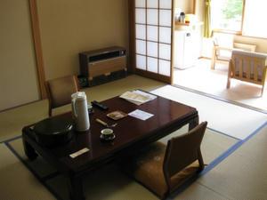 上の湯温泉『温泉旅館銀婚湯』客室(石楠花)