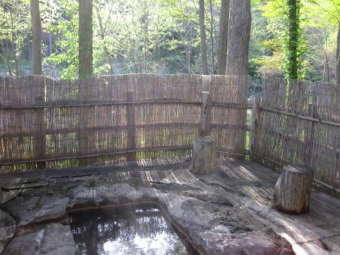 上の湯温泉『温泉旅館銀婚湯』野天風呂「かつらの湯」