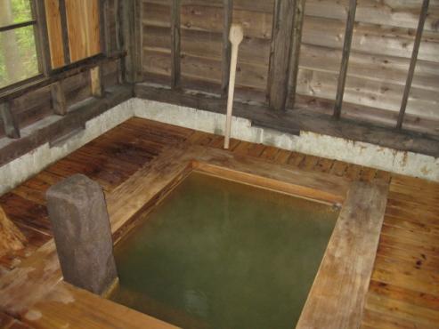 上の湯温泉『温泉旅館銀婚湯』野天風呂「杉の湯」
