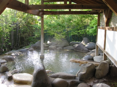 上の湯温泉『温泉旅館銀婚湯』浴場 こもれび湯 露天風呂