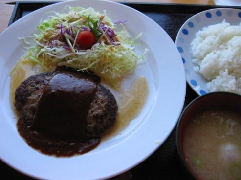 『うろこ亭』ハンバーグ定食 1.000円