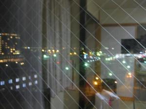 稚内『ホテル おかべ汐彩亭』客室窓から見た夜の稚内駅周辺
