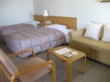 『ホテル おかべ汐彩亭』の客室(和洋室)