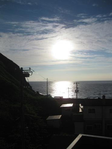 『利尻マリンホテル』客室の窓から見た朝の風景