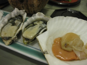 糠平温泉・糠平舘観光ホテル/夕食 焼き物:牡蠣、帆立