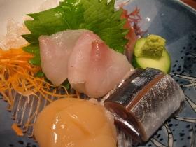 養老牛温泉「湯宿だいいち」/夕食 お造り:三点盛り(おひゅう、帆立、秋刀魚)