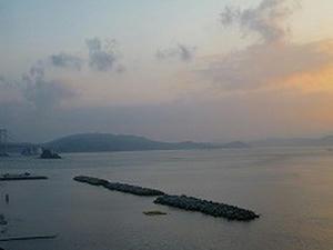 四国旅行/鳴門温泉『ルネッサンスリゾートナルト』客室から見た風景(朝)