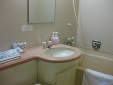 四国旅行/高知よさこい温泉『土佐ロイヤルホテル』客室 洗面台