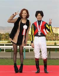小森純さんと福永騎手