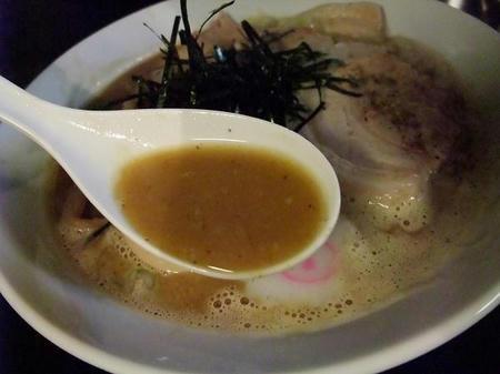 豚骨魚介スープ