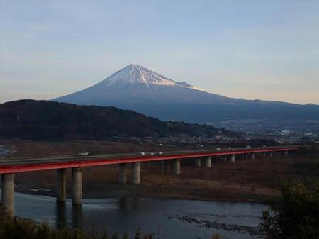 富士川SA(下り)からの富士山