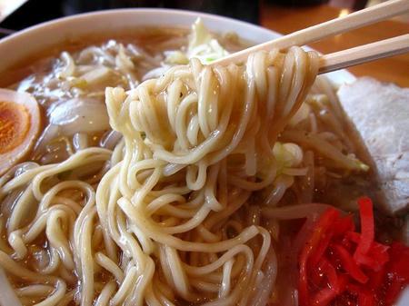 麺処 くいしん坊 中細ストレート麺