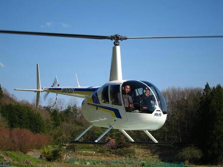 4人乗りヘリコプター