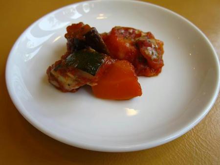 パスタ&地産野菜 マットーネ ズッキーニとニンジンのトマト煮