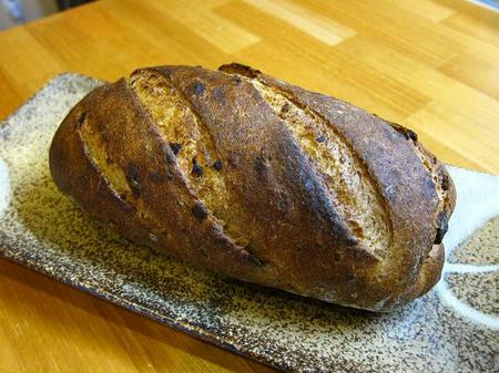 ベーカリー&レストラン 沢村 オニオンライ麦パン