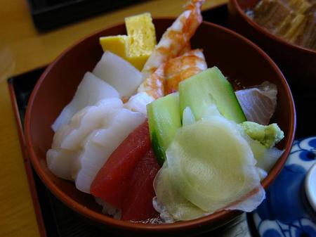 寿し割烹 桃乃木 ちらし丼