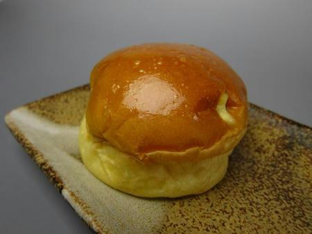 Bakery yaoko pino クリームパン