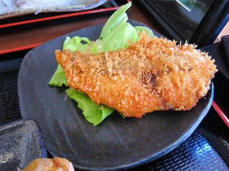 めしや 大磯港 地魚フライ