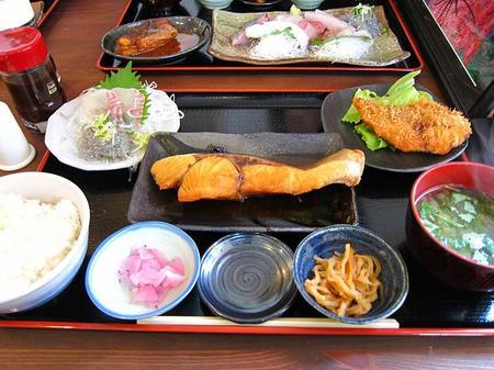 めしや 大磯港 煮魚定食