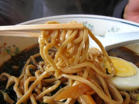 けんちゃんらーめん 黒小麦麺