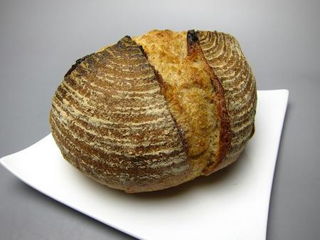 パン工房 DEKO. DEKOカンパーニュ