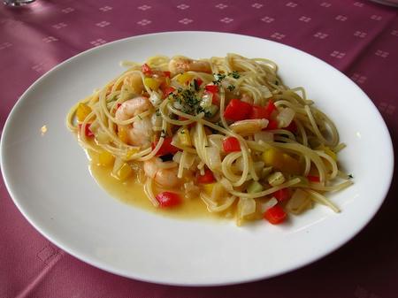 安心食材グラツィエ 小海老と野菜のペペロンチーノ