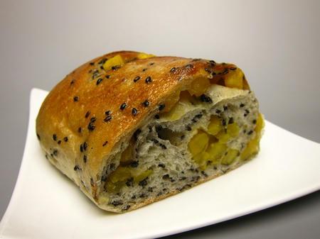 パン小麦工房 櫻 天然酵母 胡麻オサツ