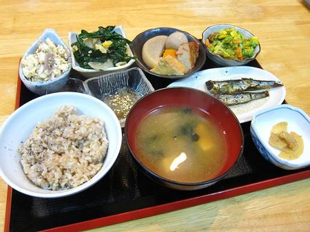 魯炉家 玄米定食