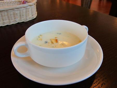 カジュアルフレンチ ポティロン 有機ホウレン草のスープ