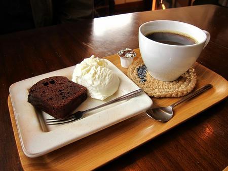 Omoya Cafe&Lunch ガトーショコラ&珈琲